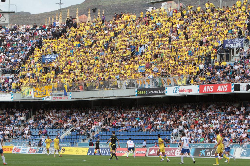 La UD Las Palmas cambia la cara en su estadio