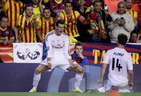 Bale y Di María le dan la Copa al Madrid